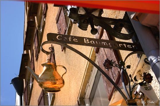 Bio Café Baumgarten © Liz Collet,Bio Café Baumgarten © Liz Collet, Baumgarten, Café, Füssen, Ausleger, Kaffeekanne, Ostallgäu, Allgäu, Kaffee, Café, Bio, Reiseführer, Reisetipps, Tipps, Liz Collet Photographie, Liz Collet Photography, Travel, Reisefotografie, Liz Collet Reisefotografie